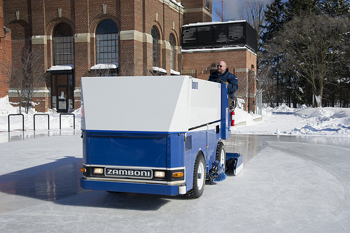 Toronto: Colonel Sam Smith Park Zamboni